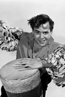 Desi Arnaz (1917–1986).jpg