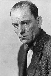 Lon Chaney (1883–1930).jpg